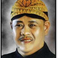 Asep Sunandar Sunarya (1955-2014),<em>dalang</em>de<em><em>wayang</em> golek <em>Sunda</em></em> de Java Occidental. Fotografía cortesía de UNIMA-Indonesia