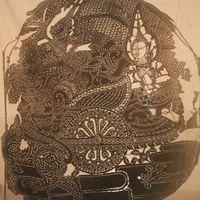 Reab (Râvana) enlevant Seda (Sîtâ) dans un char, figure du théâtre d'ombres <em>sbek thom</em>, Cambodge, vers 1910. The Cook / Marks Collection, Northwest Puppet Center. Photo: Dmitri Carter