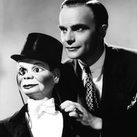 American ventriloquist Edgar Bergen (1903-1978) with Charlie McCarthy