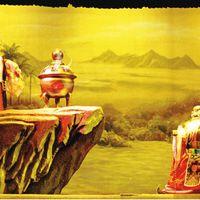 <em>La Hada de Qingyuan</em> (清源仙女, 2002) por Jinjiangshi Zhangzhong Muoutuan (Instituto para la Preservación de Títeres de guante de Jinjiang, Jinjiang, provincia de Fujian, República Popular China), puesta en escena: Zhuang Changjiang, escenografía y fabricación: Chen Junxiang, titiriteros: Yan Sharong, Cai Meina, Zhu Dongyang, You Tianxiang. Títeres de guante