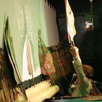 <em>Ki</em> Manteb Soedarsono performs <em><em>wayang</em> kulit purwa</em> <em>Surakarta</em>. Photo: Sumari