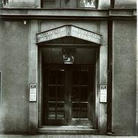 Entrance of Umělecká scéna Říše loutek (Prague, Czechoslovakia) in 1929. Photo courtesy of Archive of Umělecká scéna Říše loutek