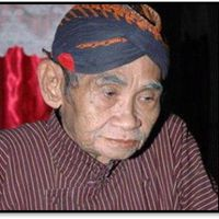 Timbul Hadiprayitno (1934-2011) of Bagelen, Purworejo, master <em>dalang</em> of the Yogyakarta style of <em><em>wayang</em> kulit purwa</em>. Photo courtesy of UNIMA-Indonesia
