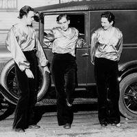 Fundadores de la compañía de marionetas estadounidense, Yale Puppeteers: (de izquierda a derecha) Forman Brown (1901-1996), Richard