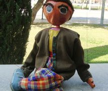 String puppet by the puppet theatre group, Coopérative Masrah Arous Wahran (<em>Or</em>an [Arabi<em>c</em>: <em>Wahrān</em>], Algeria). Photo: Houari Abdelkhalek