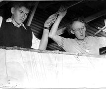 Australian puppeteers, Arthur Cantrill and Edith Murrary manipulating marionettes for <em>Aladdin</em> (<em>c</em>.1951); Edith Murray (1897-1988) helped found a puppetry guild in Sydney and founded the Clovelly Puppet Theatre in 1949. Photo courtesy of Arthur Cantrill