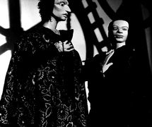Two characters, in <em>Isabella and the Pot of Basil</em> (c.1980) by Barry Smith, height: 1.25 metres. Photo courtesy of Collection: The National Puppetry Archive