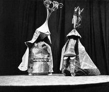 <em>Zhavoronok</em> (The Lark, 1966) by Jean Anouilh, production of Moskovskiy teatr kukol, direction: Boris Ablynin, design: Aleksandr Sinetsky and Natalia Kapranova. Photo courtesy of Archive: Rossiyskiy tsentr UNIMA (Russian UNIMA Centre, Moscow, Russia)