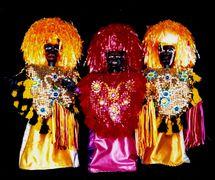 Caboclos de lança, de Folgazões & Foliões, Foliões & Folgazões (2002) por Mamulengo Só-Riso (Olinda), figuras folclóricas del estado de Pernambuco en Brasil vinculadas al carnaval y al <em>Maracatu Rural</em>. Foto: Olívia Robacov