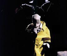 Miguel Vellinho, Luiz André Cherubini y Sandra Vargas en <em>Beckett</em> (1992) de Samuel <em>Beckett</em> por el Grupo Sobrevento (São Paulo, Brasil), puesta en escena: Luiz André Cherubini, concepción: Grupo Sobrevento. Colección: Grupo Sobrevento. Foto: Rodrigo Lopes
