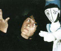 """""""Una favola per Klee"""" (1983), scene of the little sailor, with Maria Letizia Volpicelli and a <em>burattino</em> a guanto (glove puppet). Collezione Maria Signorelli"""