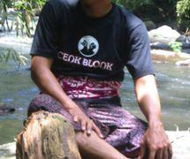 Cenk Blonk (I Wayan Nardayana, 1966- ) de Banjar Belayu, district de Tabanan, Bali, <em>dalang</em>innovant de <em>wayang</em> kulit balinais (2007). Photo: Karen Smith