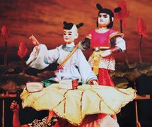 <em>Nezha</em> (哪吒, 1988) by Chengdu Muou Piying Jutuan (Centre for the Preservation of Intangible Cultural Heritage, Chengdu, Sichuan Province, People's Republic of China), direction: Xiong Zhengkun, design/construction: Liu Ji, puppeteers: Liang Kaitong, Wu Wenhui. Rod puppets, height: 70-100 cm. Photo: Pan Yi