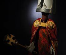 Charlemagne, dans <em>Master Peter's Puppet Show</em> (1967) par Coad Canada Puppets, mise en scène : Luman Coad, conception et scénographie : Arlyn Coad. Photo: Luman Coad