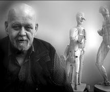 Pavel Kalfus (né en 1942), un s<em>c</em>énographe, dé<em>c</em>orateur, <em>c</em>on<em>c</em>epteur de marionnettes, peintre et pédagogue t<em>c</em>hèque. Photo réproduite avec l'aimable autorisation de Archives de Loutkář