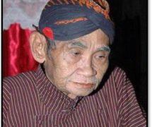 El <em>dalang</em> javanés, <em>Ki</em> Timbul Hadiprayitno. Teatro de sombras, <em><em>wayang</em> kulit purwa</em> <em>Yogyakarta</em>. Fotografía cortesía de UNIMA-Indonesia