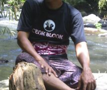 El <em>dalang</em> balinés, I Wayan Nardayana, <em>c</em>ono<em>c</em>ido <em>c</em>omo Cenk Blonk. Foto: Karen Smith
