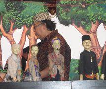 Tizar Purbaya, el <em>dalang</em> y <em>c</em>reador de <em>wayang</em> golek lenong Betawi, Yakarta, Indonesia. Foto: Karen Smith