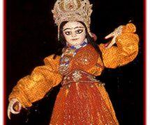 Une danseuse. Danger putul na<em>c</em>h, les marionnettes à tiges traditionnelles du Bengale o<em>c</em><em>c</em>idental, en Inde. Photo réproduite avec l'aimable autorisation de Sampa Ghosh