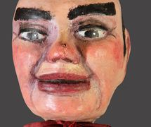 Don Cristóbal, marionnette à gaine par Títeres de la Tía Elena (Tolosa, Espagne), fabrication de marionnettes : Elena Millán (2013). Photo réproduite avec l'aimable autorisation de Collection : TOPIC (Centro Internacional del Títere de Tolosa). Photo: Josu Otaegi
