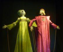 The Countess and Count Flores, rod puppets in the popular anonymous poem, El Romance de la Condesita, staged by Francisco Peralta. Photo: Nati Cuevas Zugazagoitia