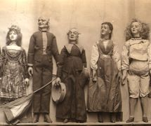 A sele<em>c</em>tion of string puppets from the D'Ar<em>c</em>'s Marionettes troupe, <em>c</em>.1860. Colle<em>c</em>tion: The National Puppetry Ar<em>c</em>hive
