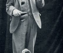 H.W. Whanslaw (1883-1965), prolifi<em>c</em> author, illustrator, puppeteer, founder of The British and Model Theatre Guild, with <em>flamingo</em> string puppet. Colle<em>c</em>tion: The British Puppet and Model Theatre Guild
