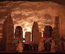 <em>Blue Skies</em> (premiere at Preetz Papierteatertreffen, September 2007) by Great Small Works (New York City, USA), created by Trudi Cohen, Cate Kelley and Ron Kelley. Toy theatre. Photo: Rainer Sennewald