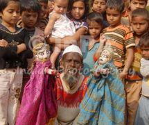 <em><em>Gulabo-Sitabo</em>,</em> les marionnettes à gaine traditionnelles réalisées à Lu<em>c</em>know (Uttar Pradesh, Inde). Sour<em>c</em>e : http://www.indianphotoagen<em>c</em>y.<em>c</em>om/produ<em>c</em>t_details.php?PId=256