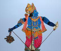 Krishna, un títere de sombra de <em>c</em>uero por un maestro del <em>togalu gombeyata</em>, Gunduraju (Karnataka, India). Fotografía cortesía de Atul Sinha