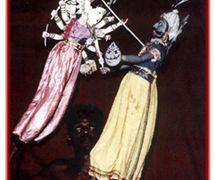 La diosa Durga batallas y finalmente mata al demonio del búfalo de agua, en <em>Mahishasura Mardini</em>, los títeres de varillas tradi<em>c</em>ionales, <em>kathi kundhei</em> na<em>c</em>ha, de <em>Or</em>issa (Odisha), India. Fotografía cortesía de Sampa Ghosh