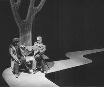 <em>Voničky</em> (1940) par Plzeňské loutkové divadlo Josefa Skupy, mise en scène :  Jan Malík, design: Jan Malík. Photo reproduite avec l'aimable autorisation des Archives de Nina Malíková. Photo: Václav Chochola