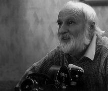 Jan Švankmajer (né en 1934, Honoris Causa 2003), artiste visuel, metteur en scène, et scénariste de films d'animation. Photo réproduite avec l'aimable autorisation de Archives de Loutkář