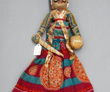 Guerrero rajasthani, títere de hilos, <em>kathputli</em>, de Rajastán, India, altura: 46 <em>c</em>m. Cole<em>c</em><em>c</em>ión: Center for Puppetry Arts (Atlanta, Georgia, Estados Unidos). Fotografía cortesía de Center for Puppetry Arts