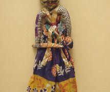 Guerrero rajasthani, títere de hilos, <em>kathputli</em>, de Rajastán, India, altura: 47 <em>c</em>m. Cole<em>c</em><em>c</em>ión: Center for Puppetry Arts (Atlanta, Georgia, Estados Unidos). Fotografía cortesía de Center for Puppetry Arts