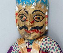 Detalle de un guerrero rajasthani, títere de hilos, <em>kathputli</em>, de Rajastán, India, altura: 47 <em>c</em>m. Cole<em>c</em><em>c</em>ión: Center for Puppetry Arts (Atlanta, Georgia, Estados Unidos). Fotografía cortesía de Center for Puppetry Arts