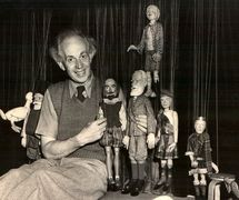Waldo Lanchester with Shakespeare, George Bernard Shaw and other Lanchester marionettes (1940s), design and construction: Waldo Lanchester. String puppets. Photo courtesy of Collection: The British Puppet and Model Theatre Guild