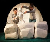 <em>The Journey Home</em> (2015) by Little Angel Theatre (London, UK), direction: Steve Tiplady, design: Sally Connie Todd, puppet construction: Michael Fowkes. Tabletop puppetry, height: 30 cm. Photo: Ellie Kurttz