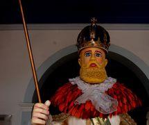 Imperador Dom Pedro II, une marionnette géante de Mamulengo Só-Riso construite à l'usine de la compagnie, Fábrica de Alegorias Gigantes (Olinda, État de Pernambouc, Brésil). Photo: Fernando Augusto Gonçalves