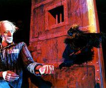Une scène de <em>Zavtra nachinaetsya vchera</em> (Demain commence hier, 2002) par le Teatr koukol «Ognivo» (Mytishchi, région de Moscou, Russie), mise en scène : Marta Tsifrinovitch, scénographie: Olga Sukhova, Vyacheslav Sukhov, Andreï Tapunov. Photo réproduite avec l'aimable autorisation de Mytishchinsky teatr kukol «Ognivo» (Mytishchi, Russie)