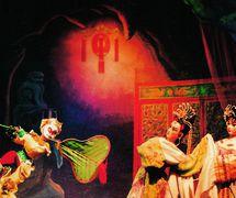 <em>Monkey <em>Ki</em>ng and the Banana-Leaf Fan</em> (孙悟空三调芭蕉扇, 1957) by Guangdongsheng Muou Jutuan (Haizhuqu, Guangzhou, Guangdong Province, People's Republic of China), direction: Lin Kun, design/construction: Ma Boming, Ye Shouchun, puppeteers: Sha Hanqiang, Huang Fuzhou, Cui Keqin, He Weichao. Rod puppets, height: 70-100 cm. Photo courtesy of Guangdongsheng Muou Jutuan