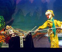 <em>The Monkey <em>Ki</em>ng Thrice Fights the White Skeleton Demon</em> (孙悟空三打白骨精, 1977) by Shanghai Muoutuan (Huangpu District, Shanghai, People's Republic of China), direction: Meng Yuan, Zhang Zhen, Zhao Genlou, design/construction: Xu Jin, Shen Changkang, and others, puppeteers: Wang Hua, Zheng Guofang. Rod puppets, height: 70-100 cm. Photo: Hu Zhiqiang