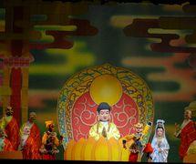 <em>The Real and the Imposter Monkey <em>Ki</em>ng</em> (真假孙悟空, 2008) by Guangdongsheng Muou Jutuan (Haizhuqu, Guangzhou, Guangdong Province, People's Republic of China), direction: Cui Keqin, design/construction: He Chaowei, Chen You, Ke Yongchao, puppeteers: Lü Jingxian, Lu Jie, Li Kuan, He Weichao, Ou Xiaoju. Rod puppets, height: 70-100 cm. Photo courtesy of Guangdongsheng Muou Jutuan