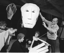 Albrecht Roser conducting a workshop at the National Puppetry Conference at the Eugene O'Neill Theater Center (1994). Photo: Richard Termine