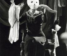 <em>Antigone</em> (Ferra, 1984) by Bertolt Brecht, opera by Frederic Rzewski, a production of Nuova Opera dei Burattini, direction: Pietro Formentini, soprano: Carol Plautamura, puppets: Maria Signorelli. Photo courtesy of Collezione Maria Signorelli