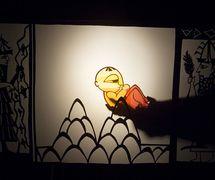 <em>Amanili Sings, a Mesopotamian lullaby</em> (2004) by Train Theater of Jerusalem, dire<em>c</em>tion, design, text, <em>c</em>onstru<em>c</em>tion, puppetry: Patri<em>c</em>ia O'Donovan, musi<em>c</em>: Yarden Erez. Shadow theatre. Photo courtesy of Patricia O'Donovan. Photo: Yonatan Tzur