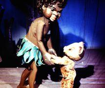 <em>Little Fella Bindi</em> (1958), títeres de hilos, por el titiritero australiano Peter Scriven para el Marionette Theatre of Australia. Fotografía cortesía de Colección: Marionette Theatre of Australia