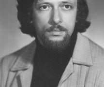 Roman Vinderman (1946-2001), metteur en scène de marionnettes et pédagogue russe (photo : années 70). Photo réproduite avec l'aimable autorisation de Collection : Teatr kukly i aktiora «Skomorokh» im. R. M. Vindermana (Tomsk, Russie)