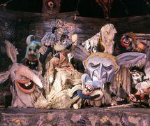 <em>Kariera Arturo Ui</em> (The Resistible Rise of Arturo Ui, 1982) by Bertolt Brecht, production of Chelyabinskiy teatr kukol (Chelyabinsk, Russia). Photo courtesy of Archive: Rossiyskiy tsentr UNIMA (Russian UNIMA Centre, Moscow, Russia)