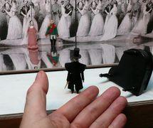«Onegin», scene from <em>Gastroli Bolshogo Korolevskogo Lilikanskogo teatra v Rossii</em> (The Tour of the Lilikan Grand Royal Theatre in Russia, 1996), by Moskovsky teatr TENb (Moscow, Russia), direction and design: Ilya Epelbaum. Photo courtesy of Moskovsky Teatr TENb